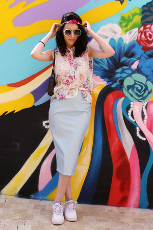 Primark skirt - nike sneakers - H&M blouse - Claires hair accessory