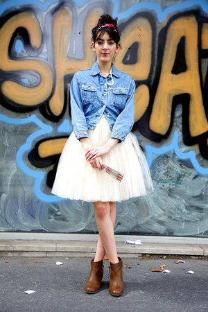 white Naf Naf dress - bubble gum Claires hair accessory