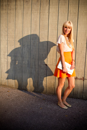 carrot orange Black Stalker skirt - Club Monaco purse - camel Nine West flats