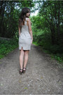 Linen-pastel-asos-dress-heather-gray-brown-leather-pepe-jeans-heels
