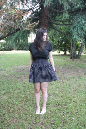 black shirt - black H&M skirt - white shoes