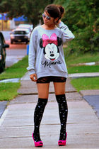 gray H&M sweater - black Forever 21 shorts - black random brand socks - pink Qup