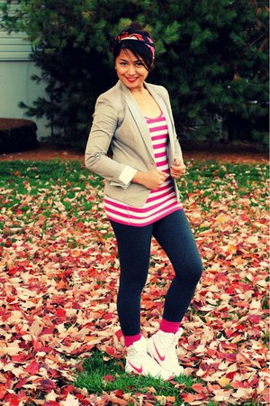 heather gray H&M blazer - hot pink hollister intimate - nike shoes