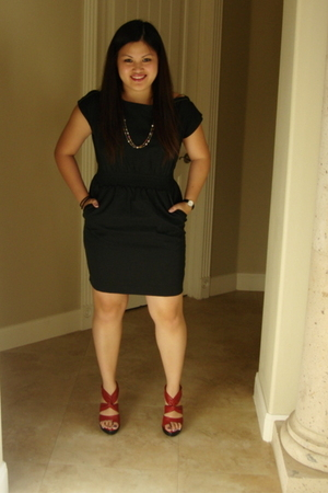 black Forever21 dress - red Carlos shoes - Forever21 necklace