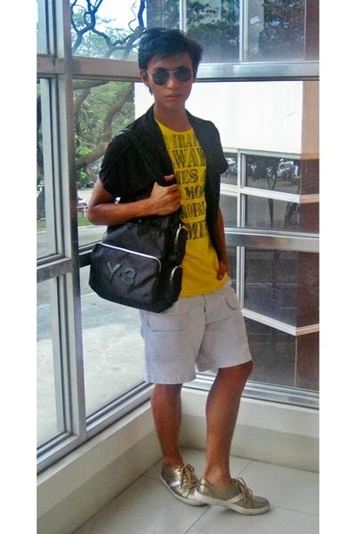 Ray Ban sunglasses - vest - t-shirt - Gap shorts - Y-3 accessories - traffic sho