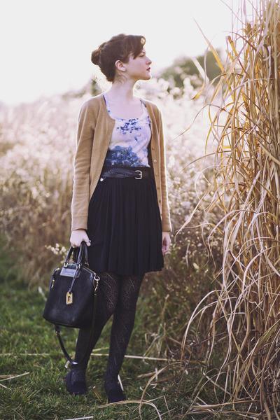 black sparkle Aerie tights - black leather Dooney & Bourke purse