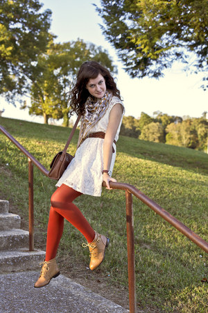 brown leather belt - nude ankle ecote boots - white lace Xhileration dress
