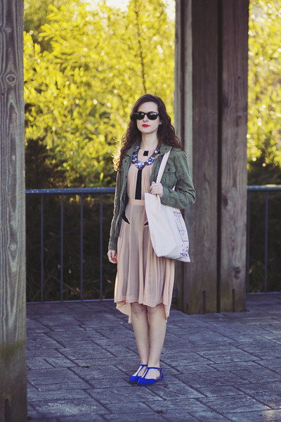 army American Eagle jacket - neutral pleated warehouse dress - tote madewell bag