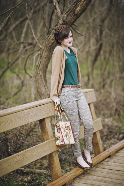 teal tee J Crew shirt - cream vintage margaret smith bag - camel plaid H&M pants