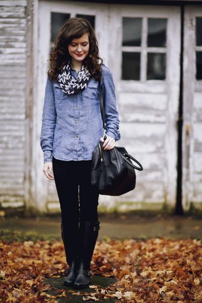 Black-rain-steve-madden-boots-black-skinny-american-eagle-jeans