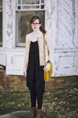 mustard satchel madewell bag - bronze heeled modcloth boots