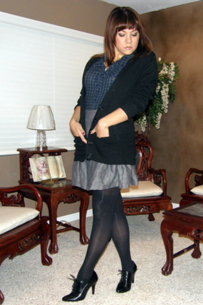 Old Navy sweater - American Eagle top - Forever21 skirt - shoes