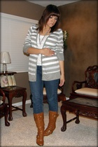 Old Navy sweater - handmade necklace - Seven7 jeans - gojanecom shoes