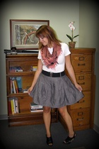forever 21 scarf - Express t-shirt - Forever21 skirt - Nine West shoes