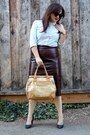 Light-blue-button-down-old-navy-shirt-gold-tote-olivia-joy-bag