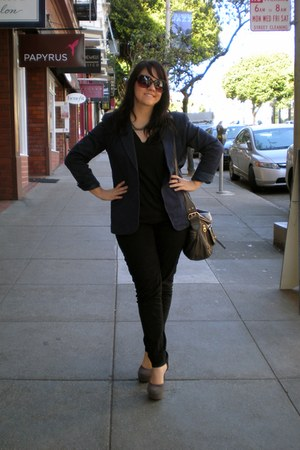 Forever 21 jeans - blazer - crossbody Marc by Marc Jacobs bag - v-neck Mossimo t