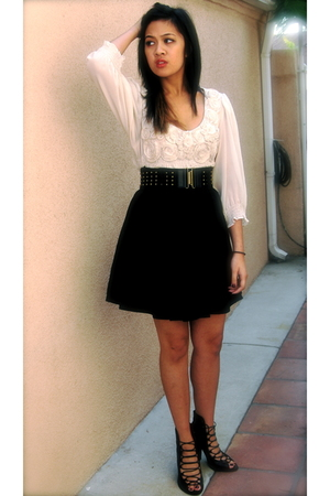 black H&M skirt - beige Macys top - black shoes