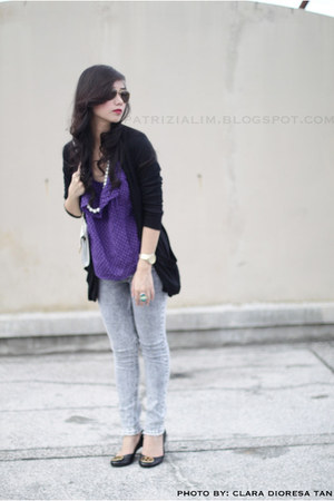 black Forever 21 cardigan - deep purple Forever 21 top - black tory burch flats