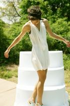white vince dress - green Colonial Madness shoes