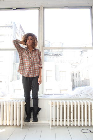 orange vintage top - gray EXR pants - black 815 boots
