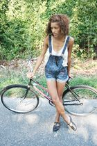 white Ray Banory Beca top - blue Wet Seall shorts