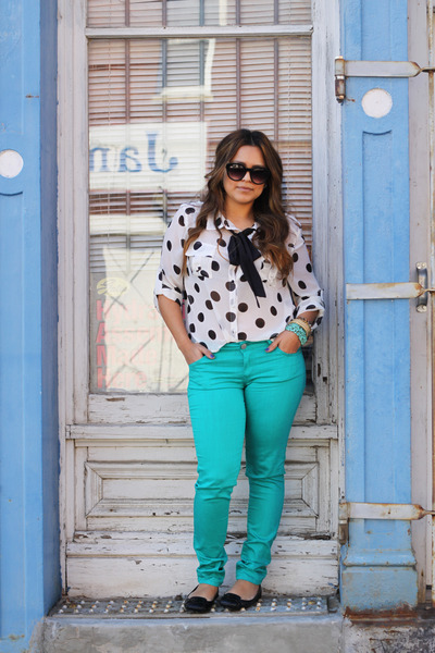 Forever 21 jeans - Michael Kors shoes - cotton on blouse - vintage tie