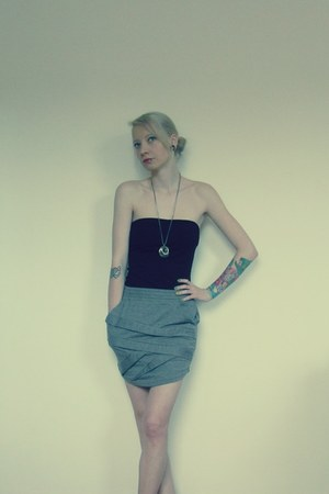 heather gray Rtme skirt - black H&M top - second hand necklace