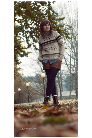beige Zara sweater - brown Stradivarius shorts - light blue Stradivarius shirt -