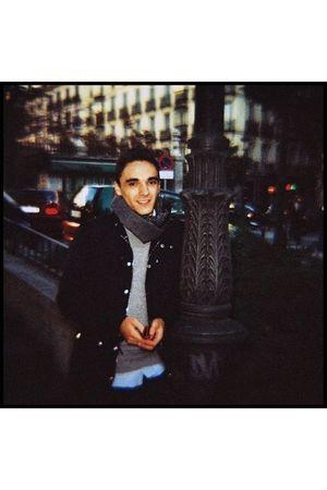 black Zara jacket - gray Zara cardigan - gray Musgo scarf - blue H&M scarf - blu