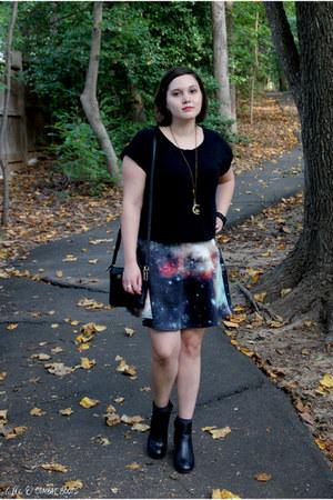 black Diba boots - black coach bag - navy modcloth skirt