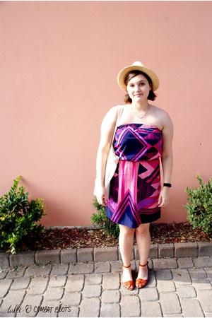 purple Express dress - tan borrowed hat - off white band bag