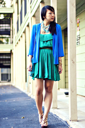 aquamarine vintage necklace - teal pleated GoJane dress