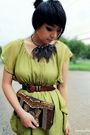 Green-modcloth-dress-black-umbrella-accessories