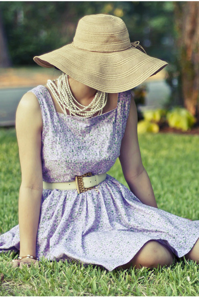 floral DIY dress - tan derby Forever 21 hat