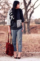 brick red thrifted bag - gray vintage sweater - charcoal gray lulus pants - bron