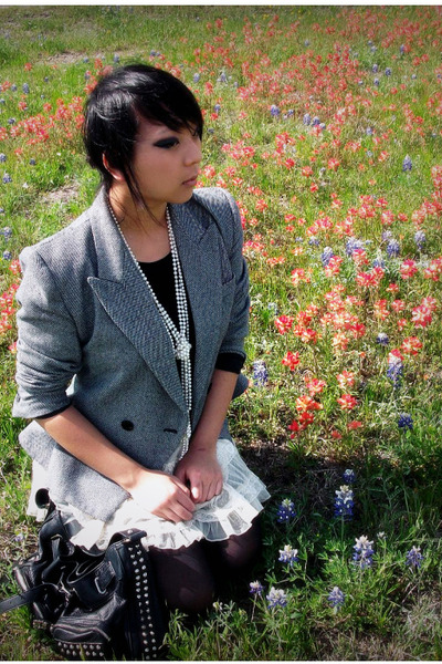 gray vintage blazer - white skirt - black top