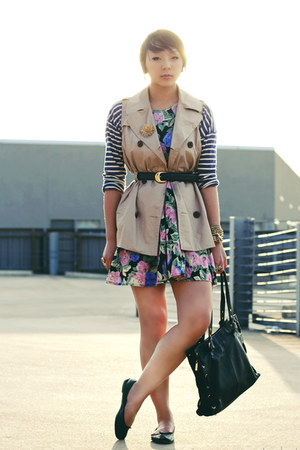 tan trench coat Forever 21 jacket - hot pink floral asos dress