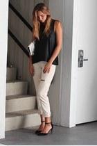 black Tuscboutique top - vintage Levis jeans - tropical Dezso purse