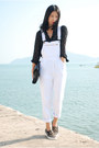 Black-marc-by-marc-jacobs-bag-white-american-apparel-pants