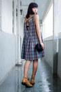 Brown-ariat-boots-violet-ezzentric-topz-dress-black-vintage-bag