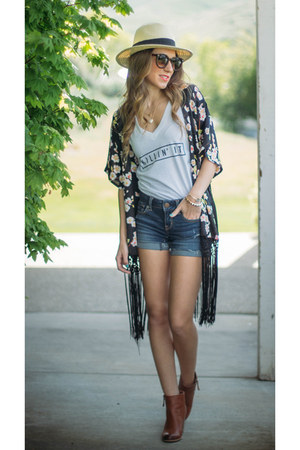 Little Mistress jacket - Style Lately t-shirt