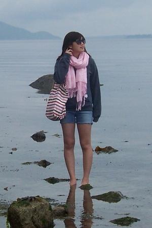 Threadless sweater - shorts - scarf - American Eagle purse