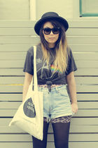 black vintage t-shirt - blue vintage shorts - black vintage hat - beige twin cat