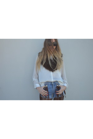 Retrodose shorts - fur vintage scarf - black Dolce&Gabbana sunglasses