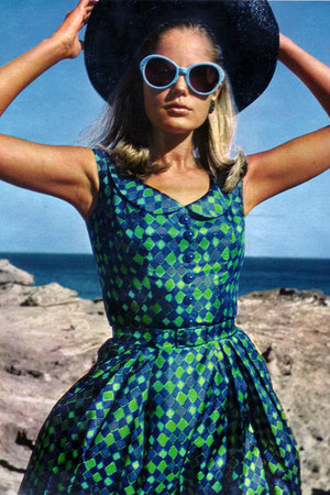 green cotton waisted vintage dress - navy straw vintage hat