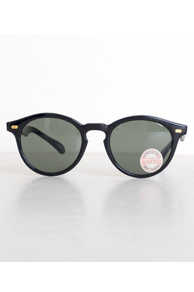 black round plastic vintage sunglasses
