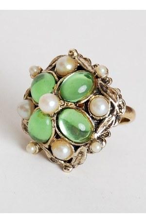 lime green vintage ring