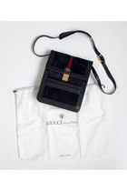 Navy-vintage-gucci-bag