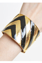 Vintage 60s 70s Wide Gold CADORO Clamper / Striped Black Enamel Bracelet
