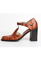 90s Brown Leather Sandals / T Strap Shoes / Leather Cutout Pumps, 7 37
